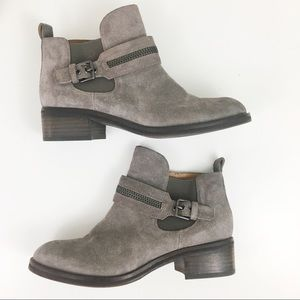 Kenneth Cole | Penny Zipper Strap Chelsea Booties